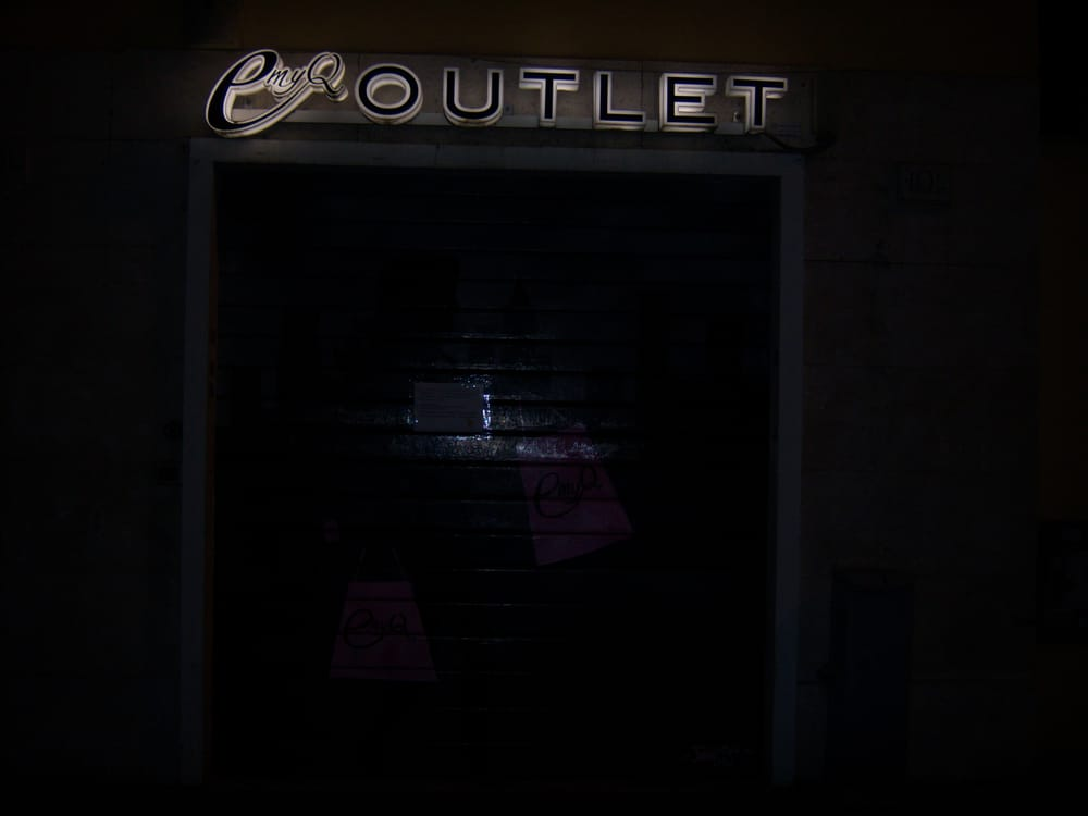 Emy Q Outlet