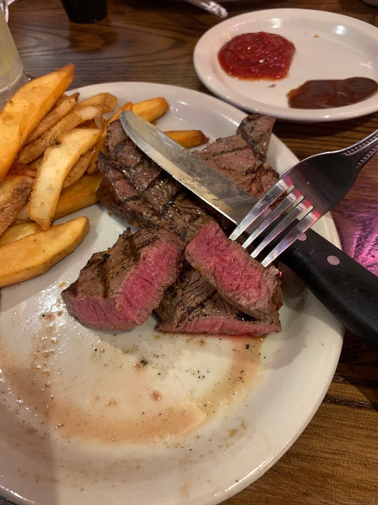 Colton's Steakhouse & Grill: 101 Hospitality Dr, Sikeston, MO