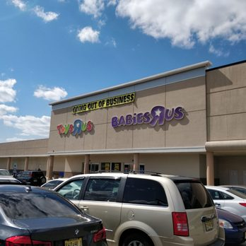 Toys R Us Closed 14 Photos 20 Reviews Toy Stores 675 Route