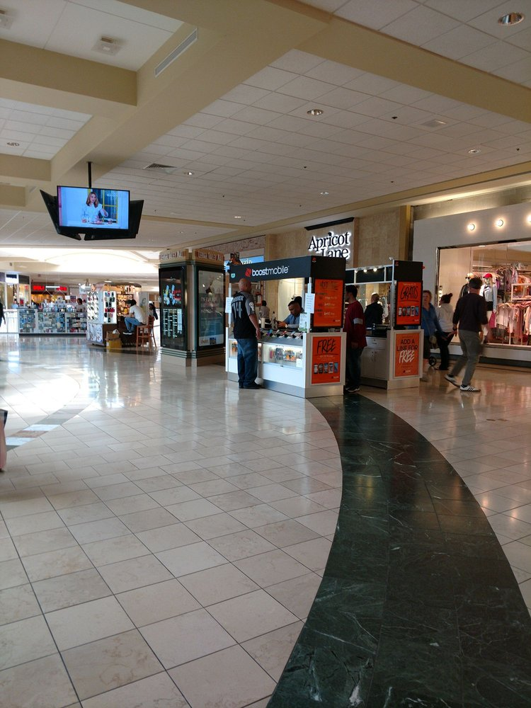 Lehigh Valley Mall: 250 Lehigh Valley Mall, Whitehall, PA