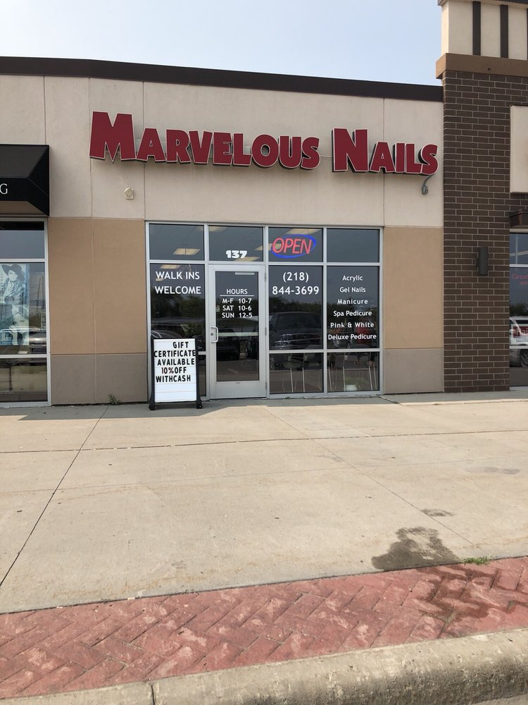 Marvelous Nails: 137 Veterans Memorial Pkwy, Detroit Lakes, MN
