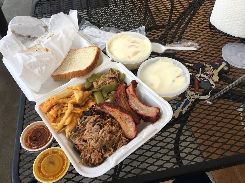 Doko Smoke Barbeque: 408 Main St, Blythewood, SC