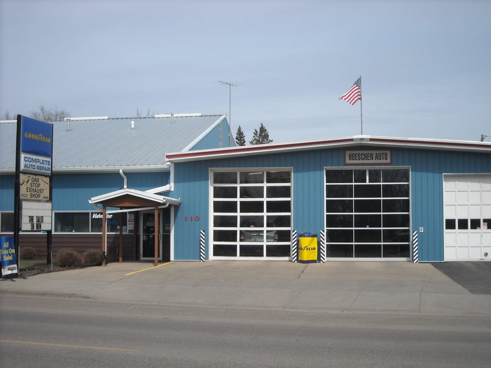Hoeschen Auto: 110 West Main St, Freeport, MN