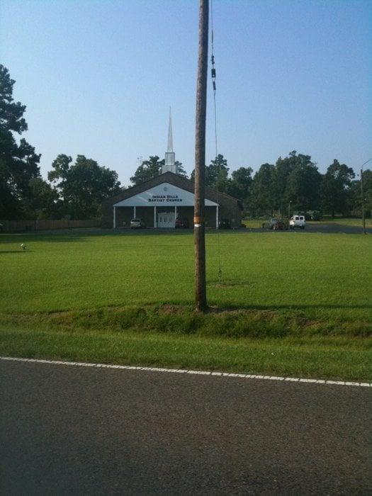 Indian Hills Baptist Church: 7131 Old Mooringsport Rd, Shreveport, LA
