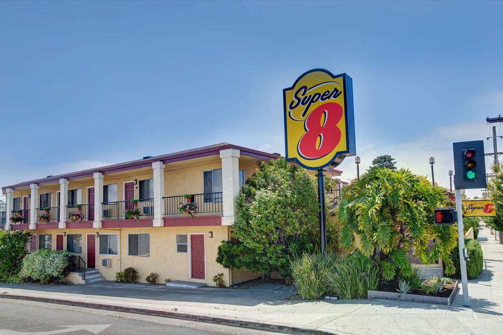 super 8 by wyndham santa cruz beach boardwalk east 13. Black Bedroom Furniture Sets. Home Design Ideas