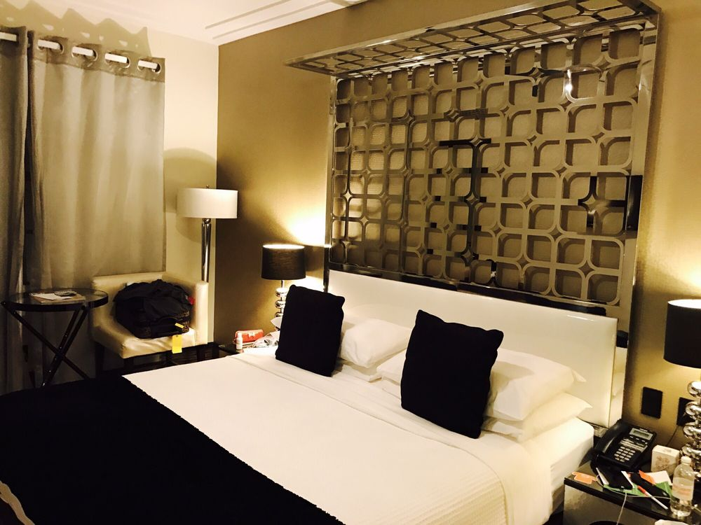 Room Mate Waldorf Towers Hotel