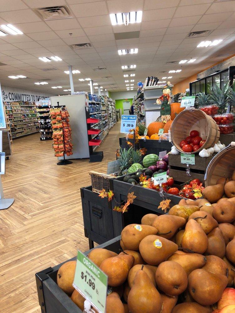 Chamberlin's Natural Foods: 1521 Bartow Rd, Lakeland, FL