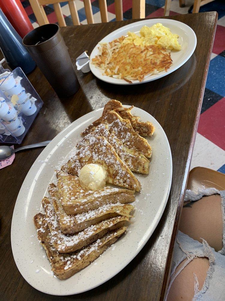 The Daily Special Cafe: 1058 W Highway 67, Alvarado, TX