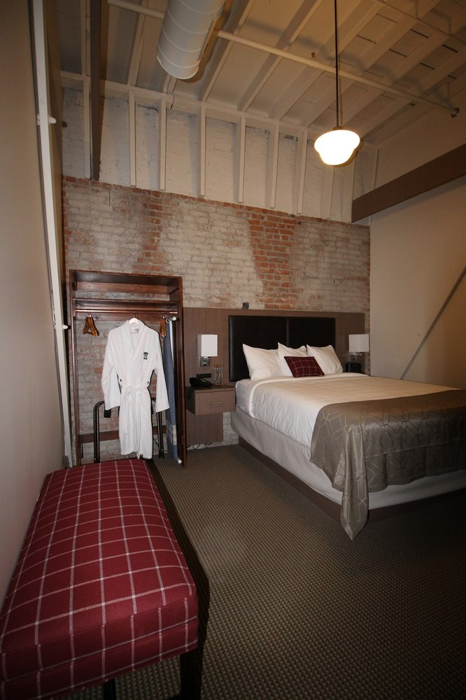 The Historic Hotel Arvon: 118 1st Ave S, Great Falls, MT