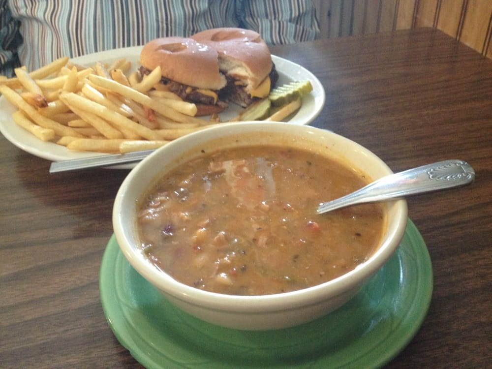 The Cozy Cup Cafe: 123 N Otter Ave, Parkers Prairie, MN
