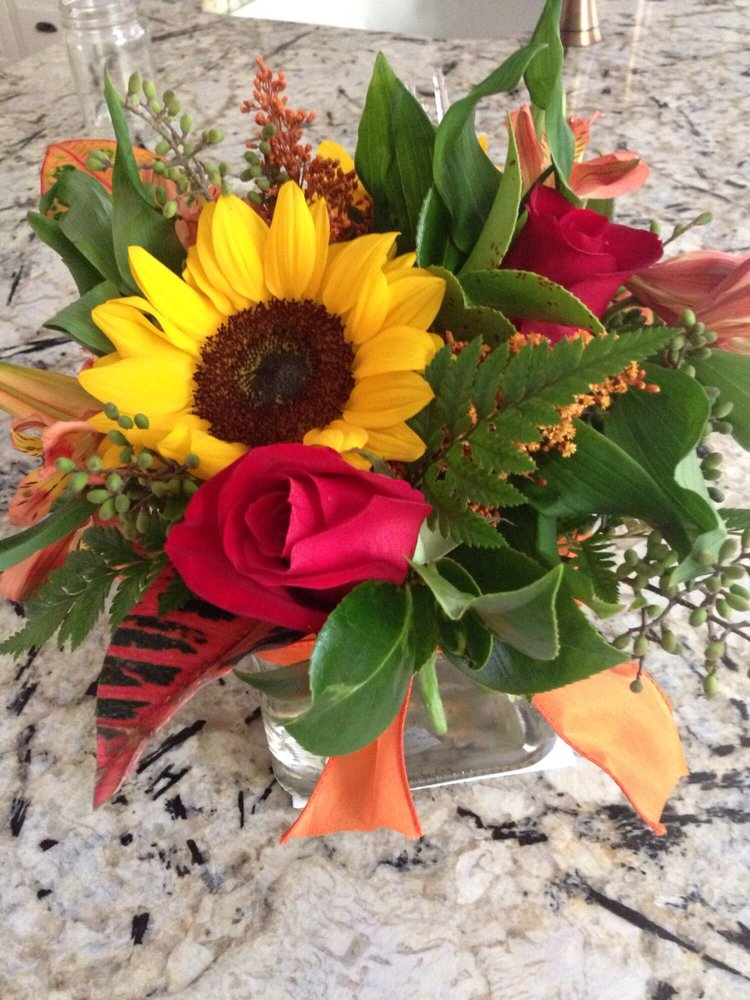 Jabez Floristry: 47 S Broad St, Angier, NC