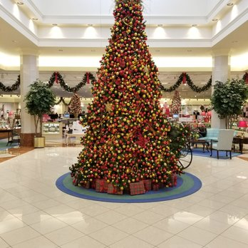 photo of von maur coralville ia united states christmas 2017
