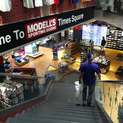 Modell's Sporting Goods CLOSED 51 E 42nd St, Midtown