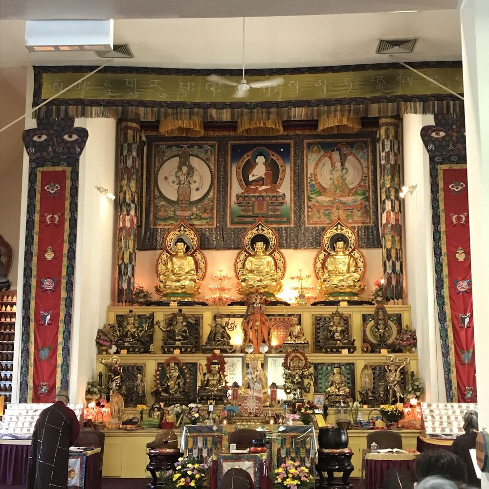 Ling Shen Ching Tze Temple: 1035 W 31st St, Chicago, IL