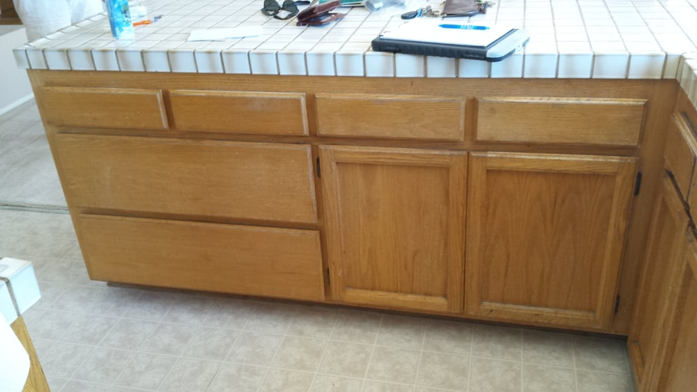 Old Oak Cabinets Before Refinishing