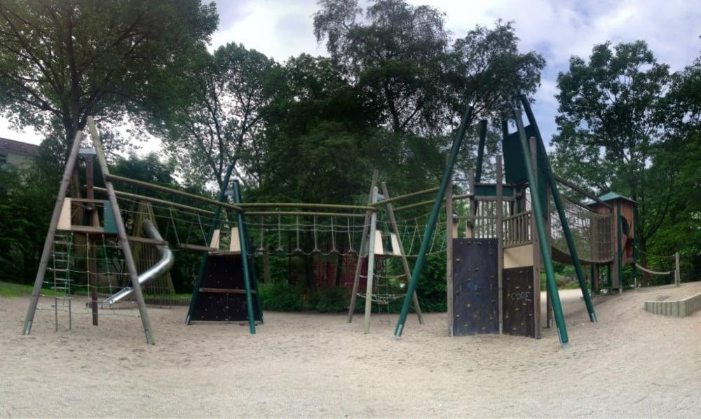 Klettergerüst Translate : Abschlussandacht und neues klettergerüst im kindergarten u pfarrei