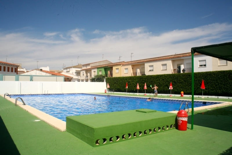 Piscina municipal de macastre swimming pools carrer de for Alencea piscine alencon