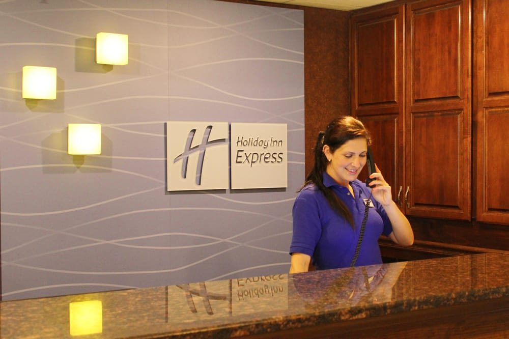 Holiday Inn Express Osage Bch - Lake of the Ozarks: 4533 Osage Beach Pkwy, Osage Beach, MO