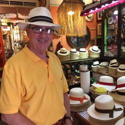 22c53f6b594 Ole Curiosidades - 83 Photos   51 Reviews - Hats - Calle Fortaleza ...