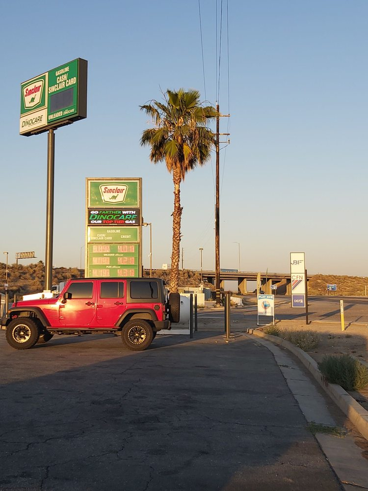 I-5 Oasis: 35750 Hwy 58, Buttonwillow, CA