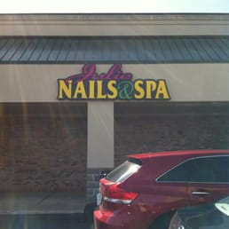 Julie nails spa 19 rese as manicura y pedicura for 4 estrellas salon kenosha wi