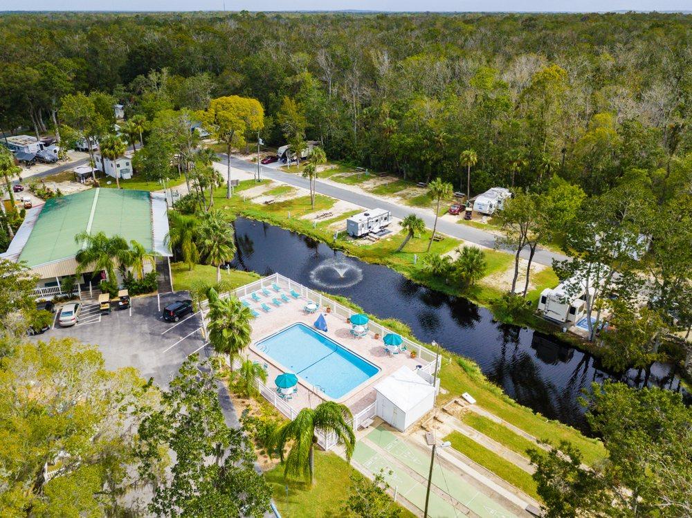 Homosassa River RV Resort: 10200 W Fishbowl Dr, Homosassa, FL
