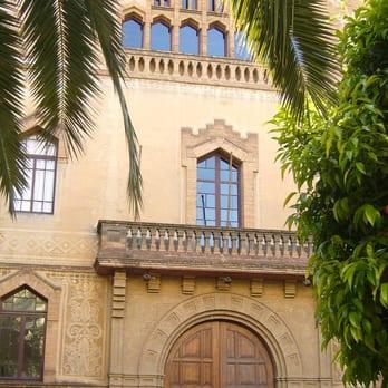Colegio Mayor Ramon Llull - Facultades y universidades - Carrer del ...