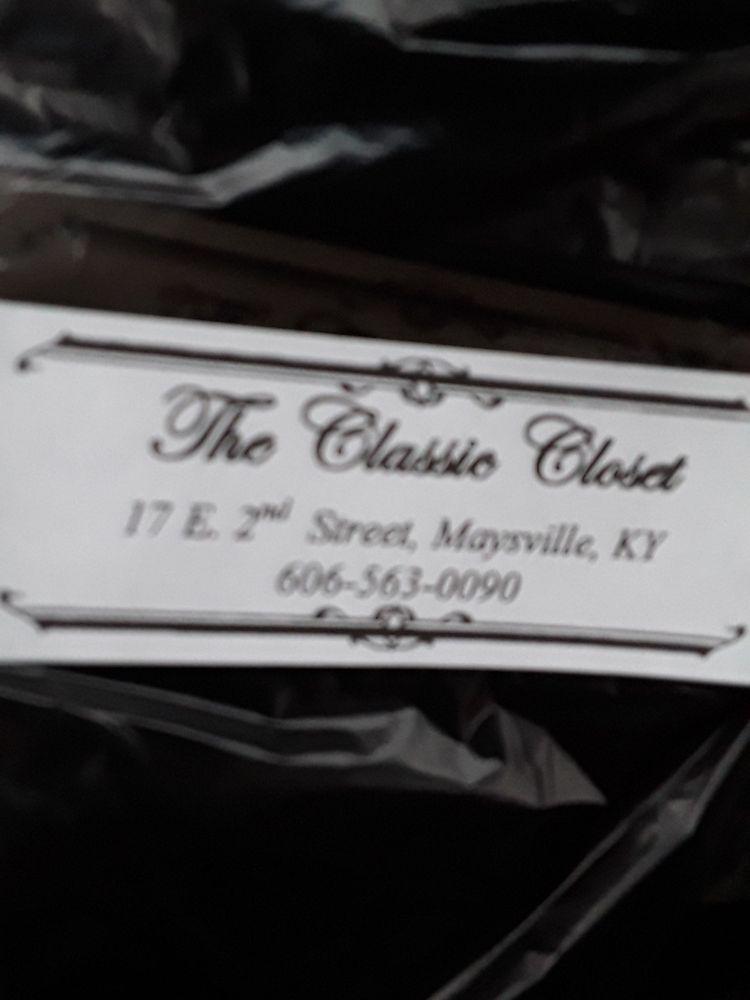 Classic Closet: 17 E 2nd St, Maysville, KY