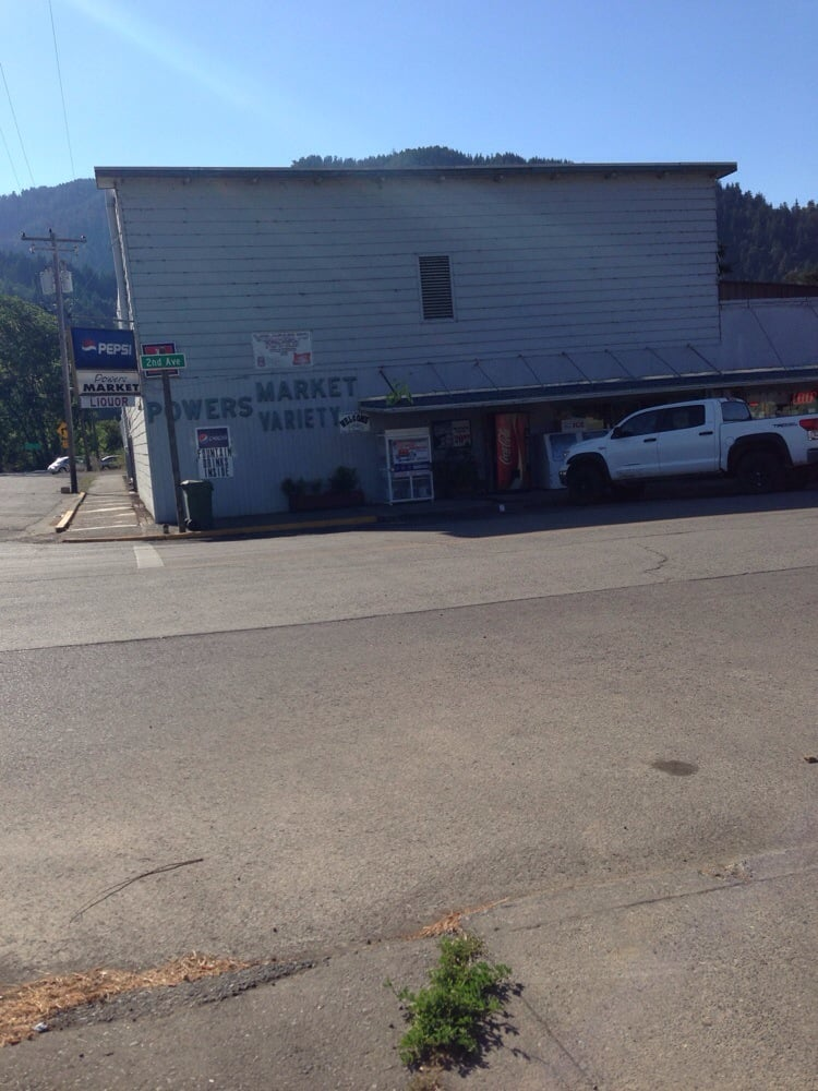 Powers Market: 409 2nd Ave, Powers, OR