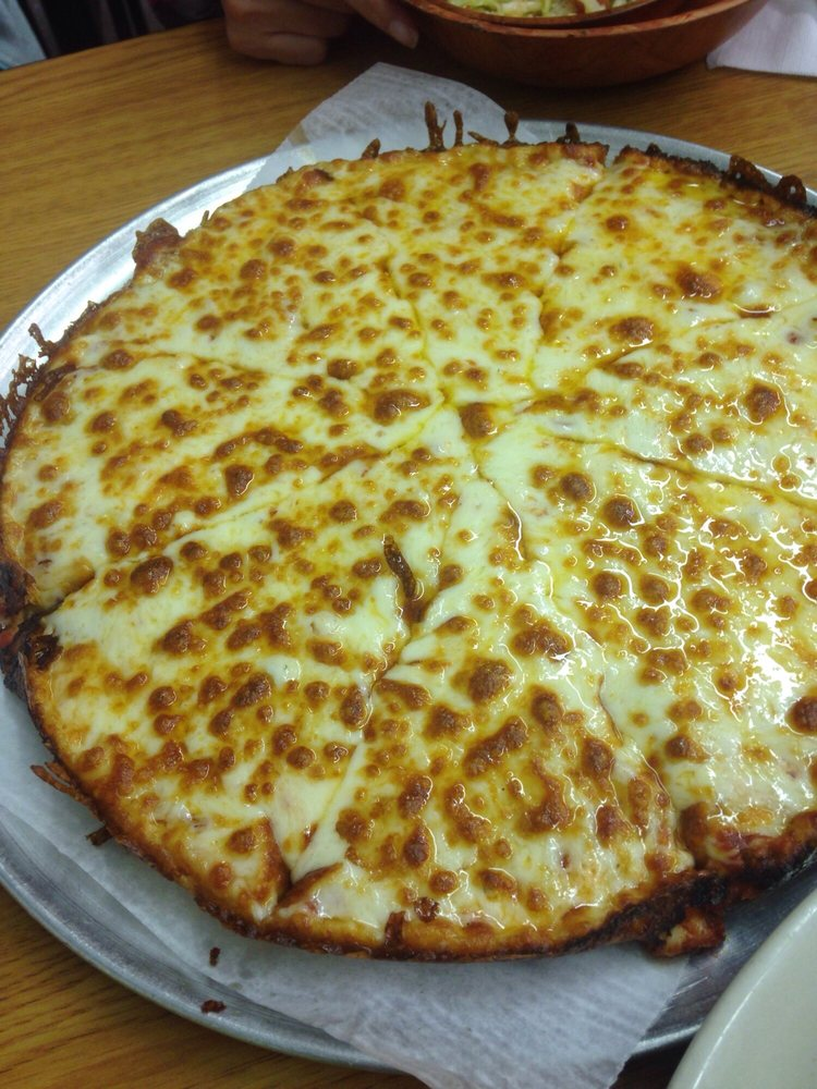 Hometown Pizza & Ice Cream: 8386 State Route 335, Minford, OH