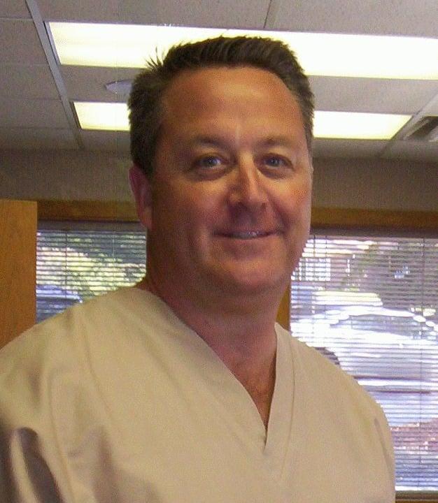 David A Morvay, DDS: 628 Niles Cortland Rd SE, Warren, OH