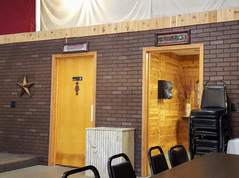 Wanderoos Bar & Grill: 1629 70th Ave, Amery, WI