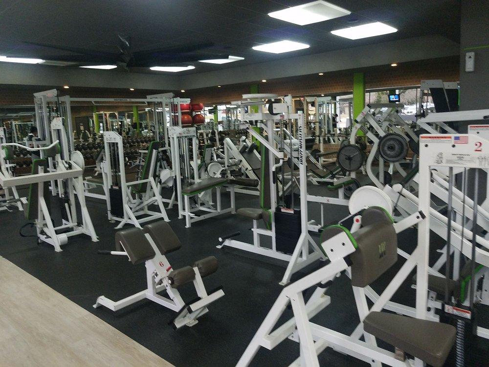 Livingston Fitness Center: 601 W Church St, Livingston, TX
