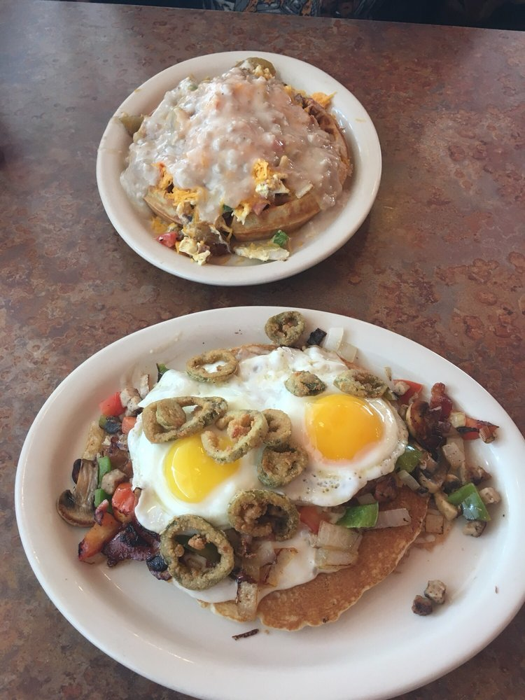 State Street Diner: 601 N State St, Bunnell, FL