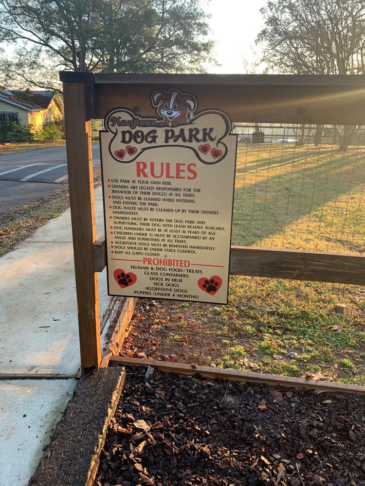 Hueytown Dog Park: 101 Hillside Dr, Hueytown, AL