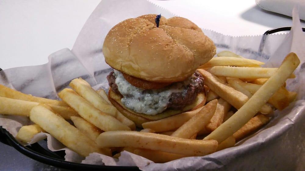 Bay City Bill's Bar & Grill: 1215 Michigan Ave, Bay City, MI