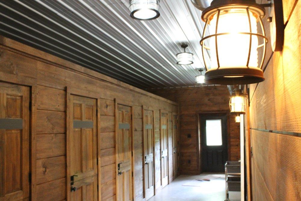 The Dog Lodge: 6001 W Genesee St, Camillus, NY