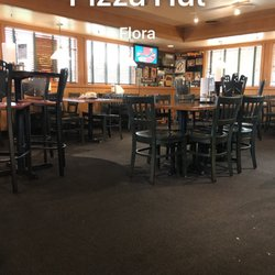 Photo Of Pizza Hut Flora Il United States The Place Was Filthy