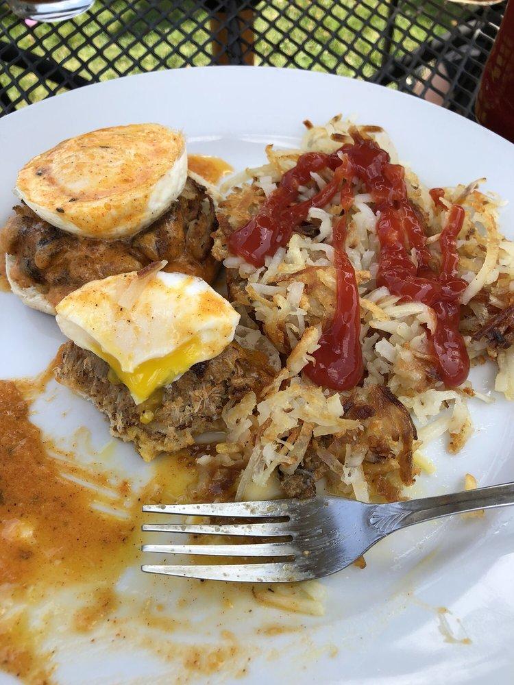 Fishbone's Cajun & Creole Restaurant: 1704 Milwaukee St, Delafield, WI