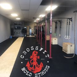 aa4ba319f2313f CrossFit Hold Strong - Gyms - 6322 Seguin Rd
