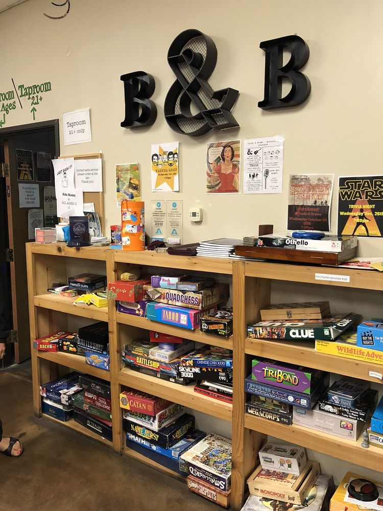 Books & Brews: 9402 Uptown Dr, Indianapolis, IN
