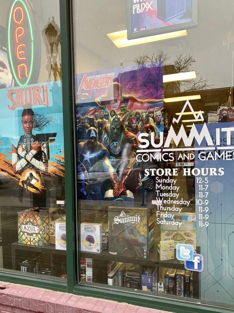 Summit Comics and Games: 216 S Washington Sq, Lansing, MI