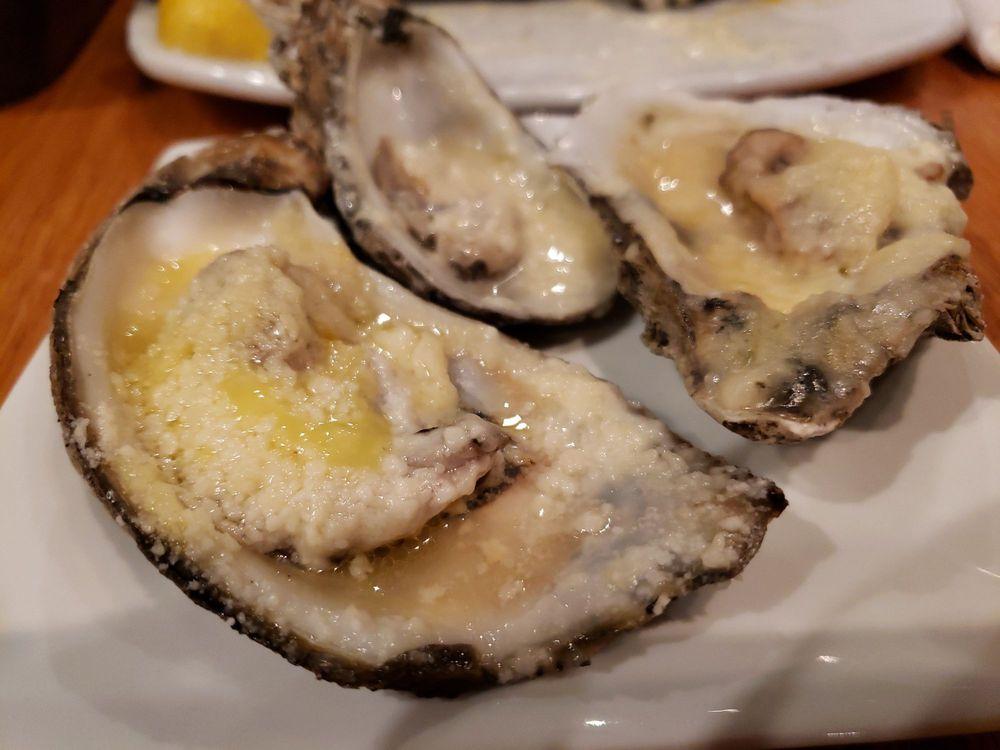 Austin's Firegrill & Oyster Bar: 2817 Old Dawson Rd, Albany, GA