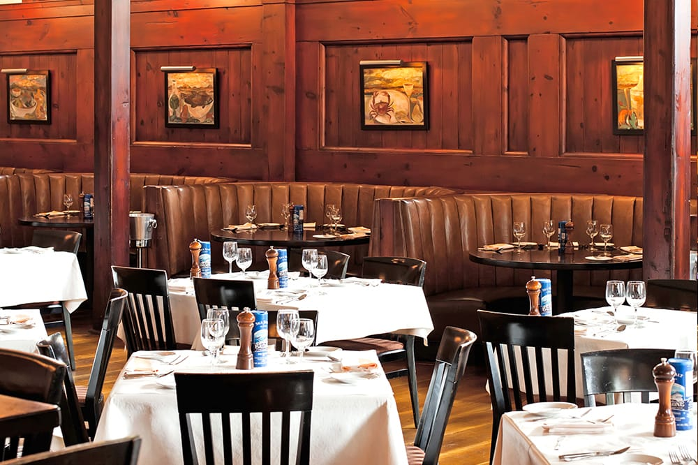 Hank 39 s seafood restaurant voted best seafood restaurant for Fish restaurant charleston sc