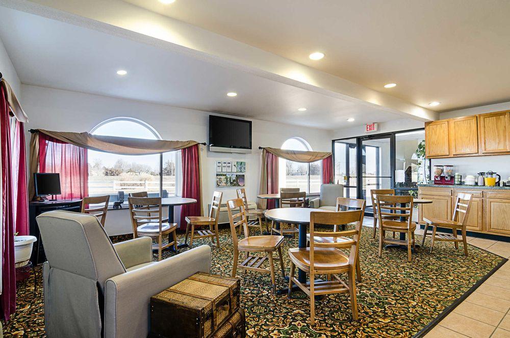 Rodeway Inn: 802 E 14th St, Larned, KS