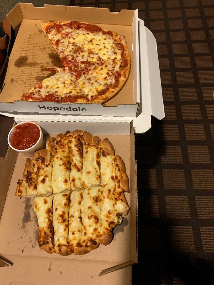 Crossroads Pizza: 218 High St NW, Carrollton, OH