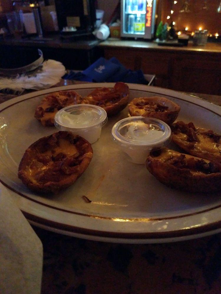 Bay B Boomers Bar & Grill: 717 Santa Isabel Blvd, Laguna Vista, TX