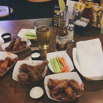 I know, you probably want tacos, too bad, this is a chicken wing website, its Tuesday wing time. Lakesiders - $ wings (minimum order of 10) Head on up to Charlotte for some good wings, check out their drink specials while you're at it!