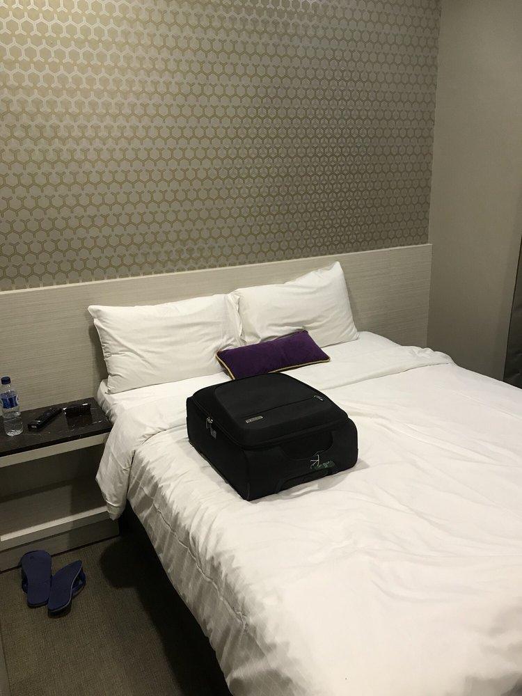 V Hotel Bencoolen