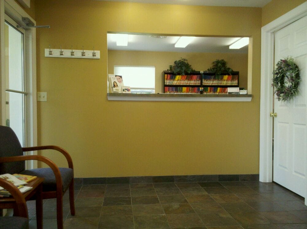 Terry L Frost DDS: 701 W Plane St, Bethel, OH